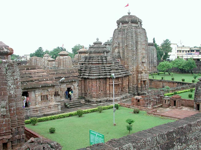 Lingaraja Temple, Bhubaneswar - Odisha Photo Gallery - Bhubaneswar Cab Rental